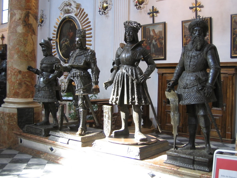 Bronze statues in the Hofkirch