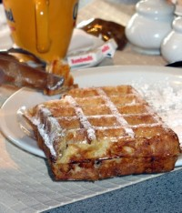 brussels-waffle-with-sugar