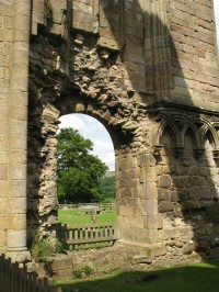 boltonabbey-through-the-wall