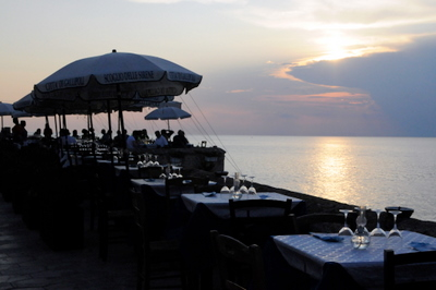 Seaside dining in Gallipoli
