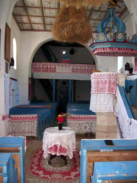 Calata Church interior