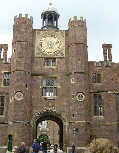 Hampton_Court_ Anne Bolyn_Gate