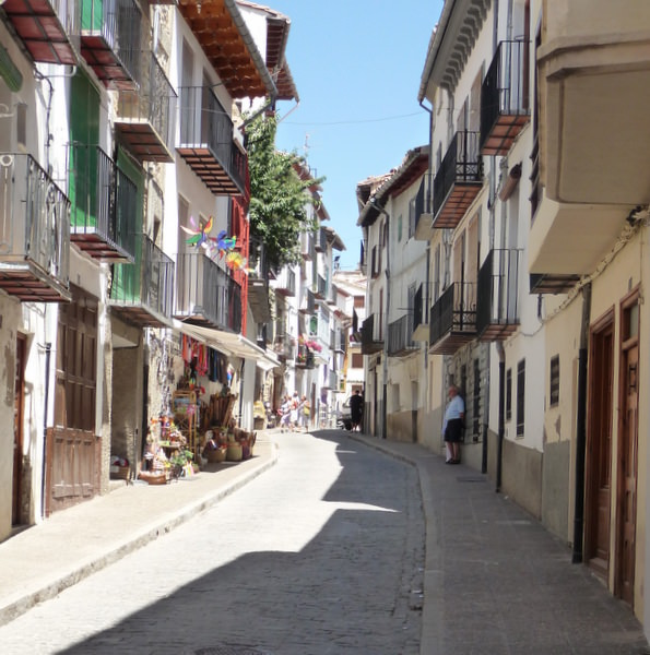 The winding streets of Morella