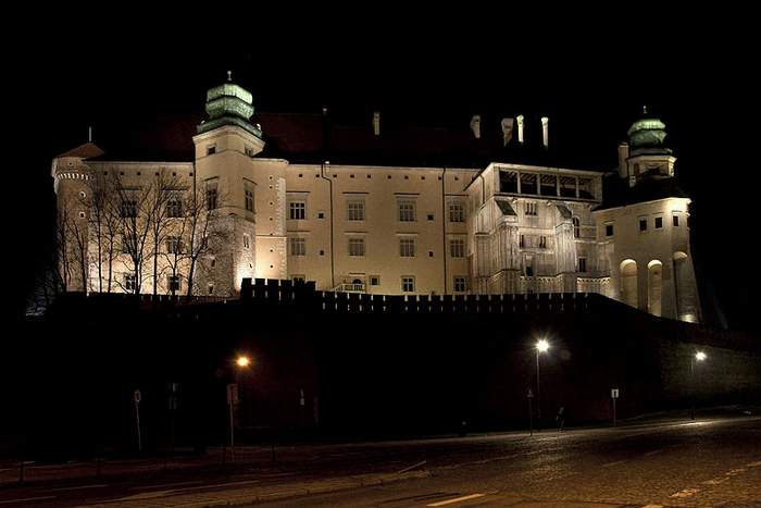Nightime view of Wawel Castle in Krakow
