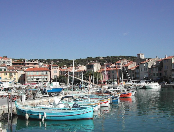 in Cassis you can take a boat trip to see the Calanques