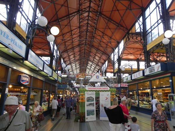 Budapests bustling central market