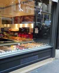window display at Arnaud Delmonte in Paris