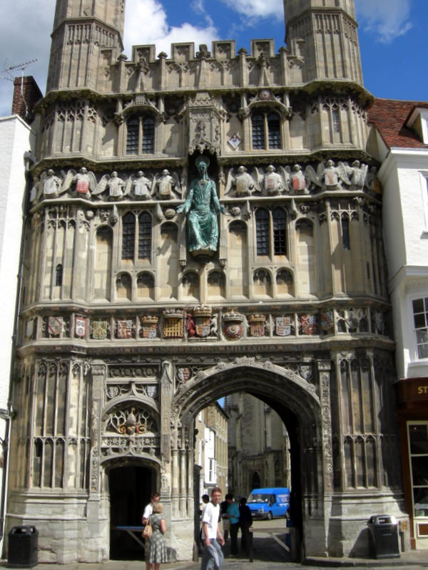 Christ Church gates leading to the Cathedral