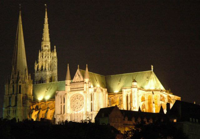 Chartres Cathedrale at night