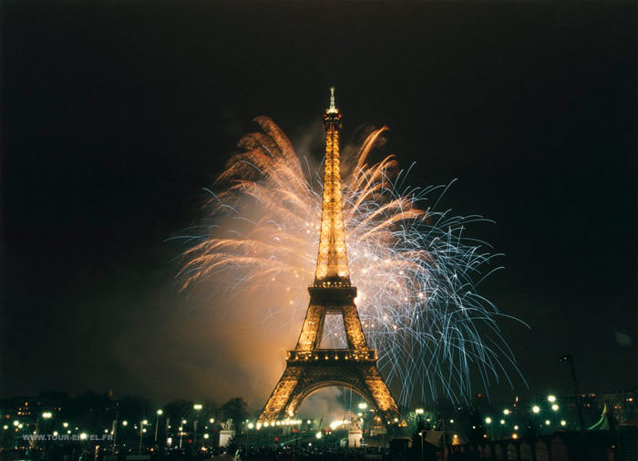 FIreworks from the Eiffel Tower