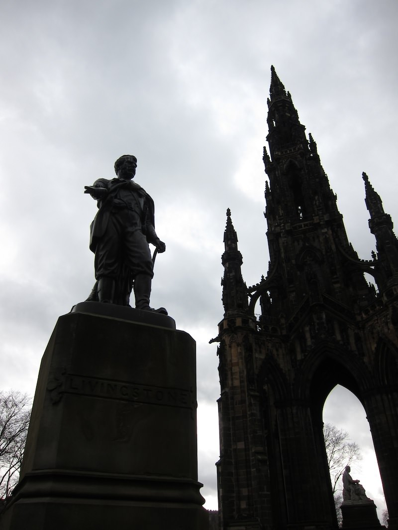 Livingstone Statue and Scott_Monument