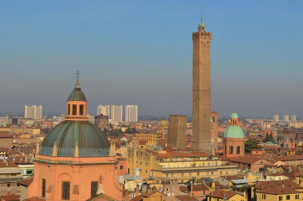 Where to stay in Bolognia Italy - San Petronio