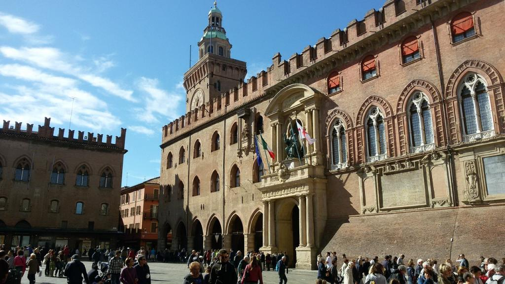 Where to Stay in Bologna Italy - Piazza Grande