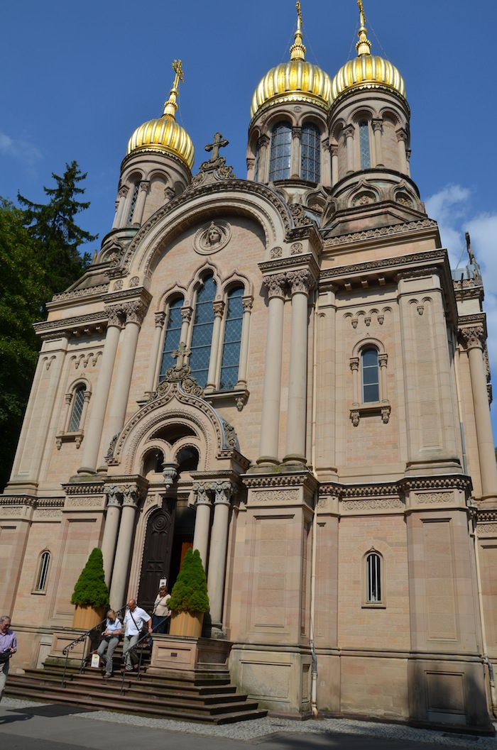 Half way up Neroberg mountain we come to the church of Saint Elizabeth. Duke Adolph of Nassau built this impressive classic Russian Orthodox church in the mid-1800s.