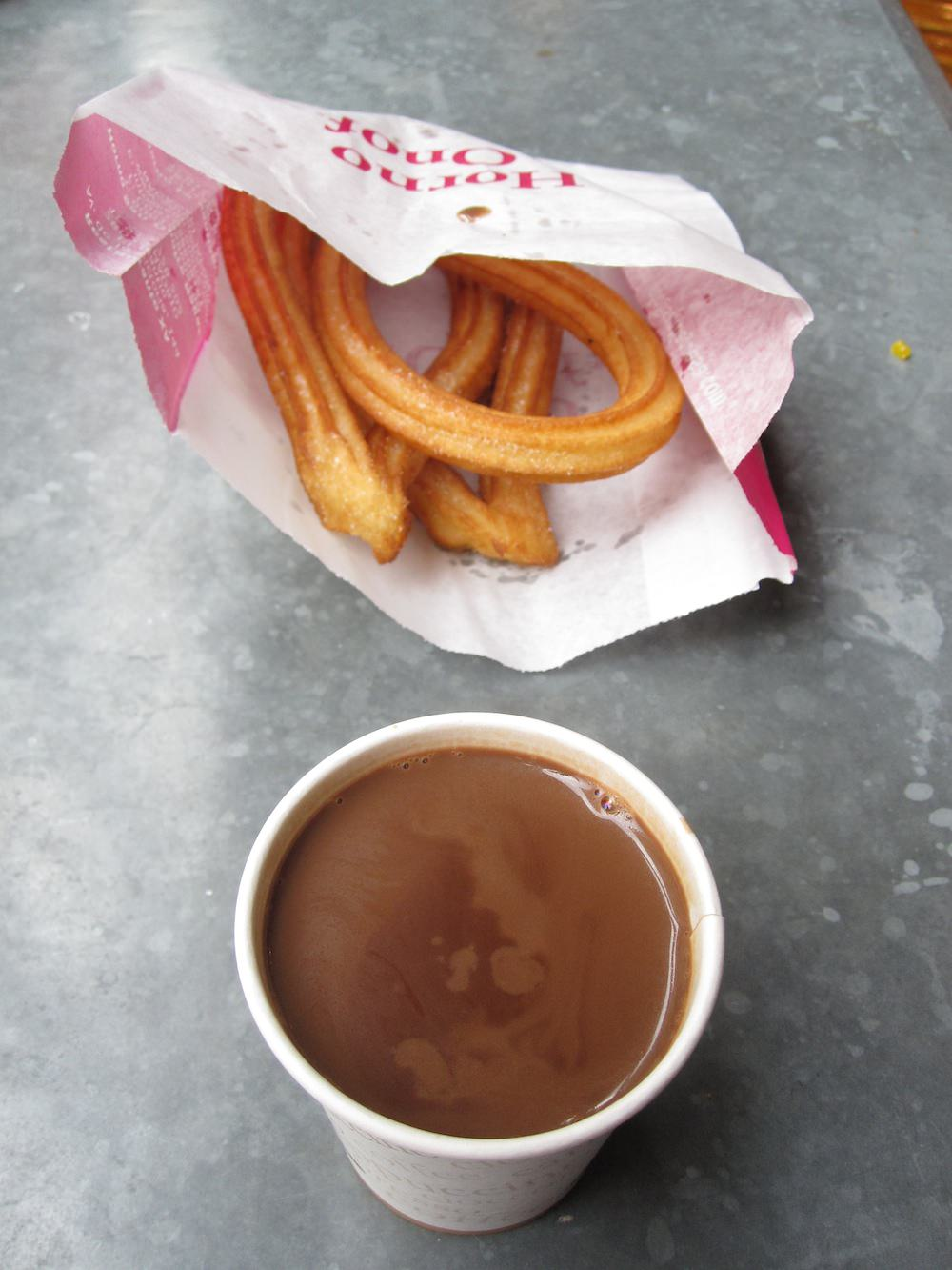 Madrid-churros con chocolate