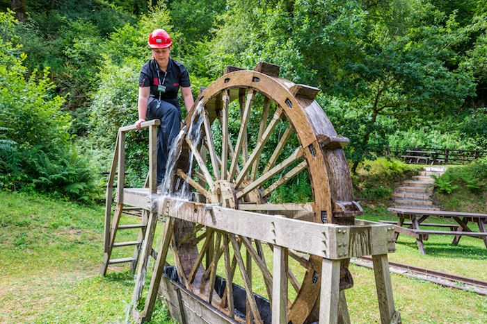 Donna gives us a demonstration of how the Romans used water lifting wheels to dewater the mines. The reconstructed wooden wheel is about six feet in diameter and is a half sized model of the original Roman wheel