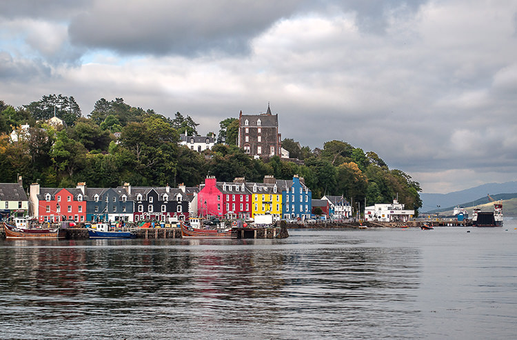 Tobermory, the unofficial capital of Mull, is known for its colourful waterfront. The distillery, founded in 1798, and the small stores are closed on Sundays.