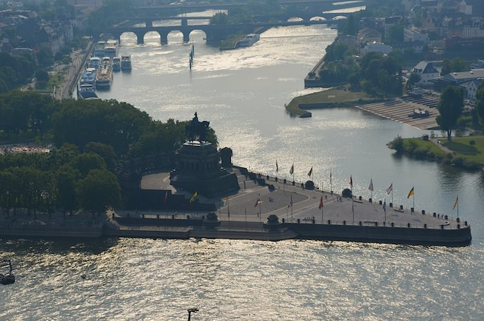 Somewhat resembling the prow of a ship, this hallowed promontory is called Deutsches eck (German corner).