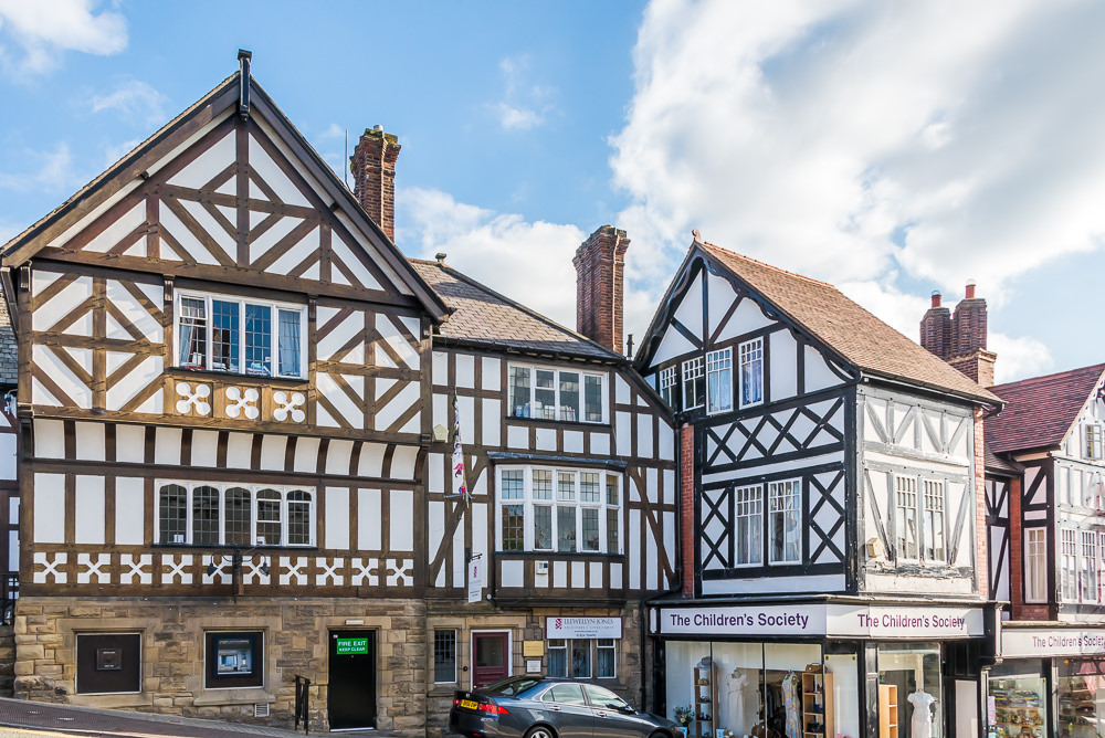 16th and 17th century black and white half-timbered houses dot the town.