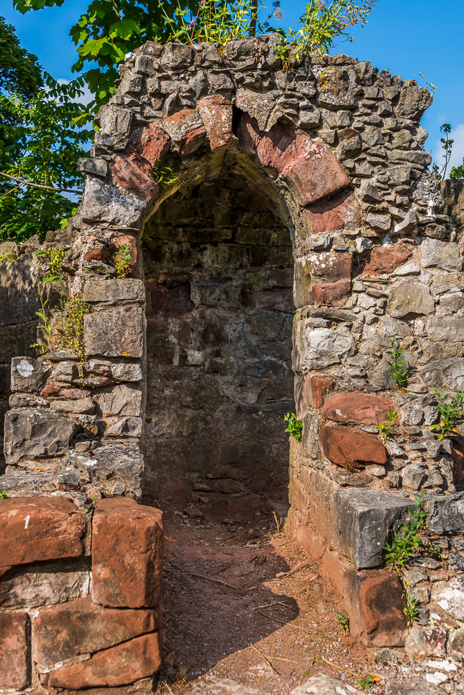 Vestiges of the old castle's ruins can be found on while strolling on the grounds of Ruthin Castle