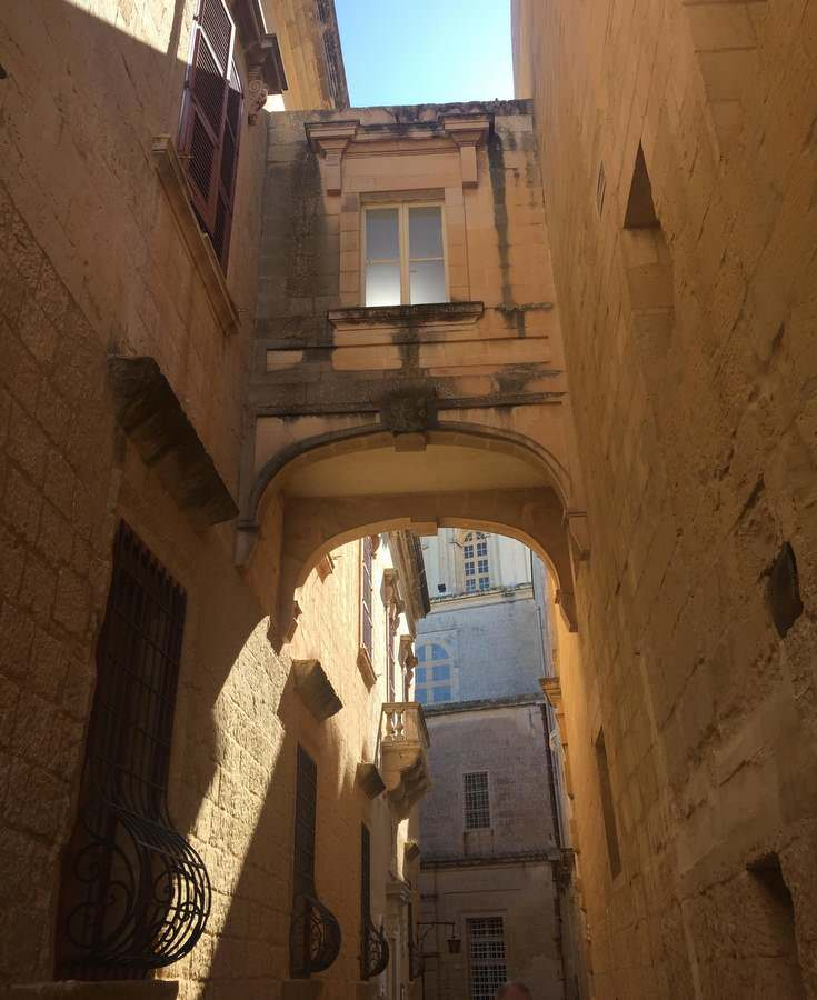 A Mdina arch, in Malta echoing that of the Azure Window