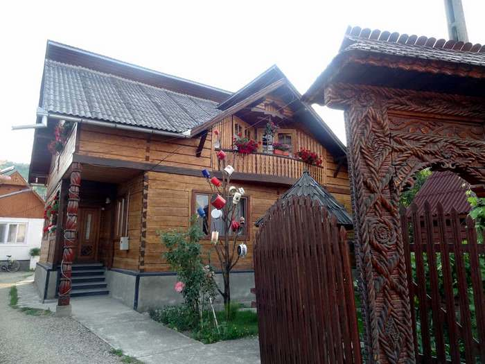 elaborate wooden carvings in maramures