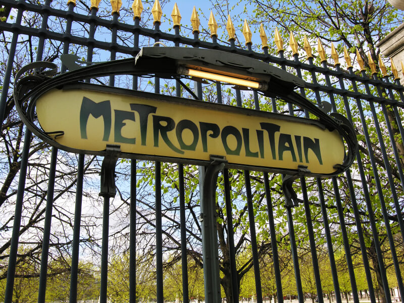 Paris Insider Tip: use the Metro