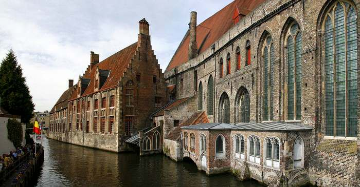 Boat tour on the Bruges canals