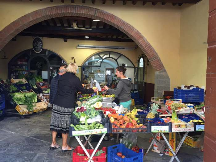 Fresh fruit and vegetable markets in Cortona