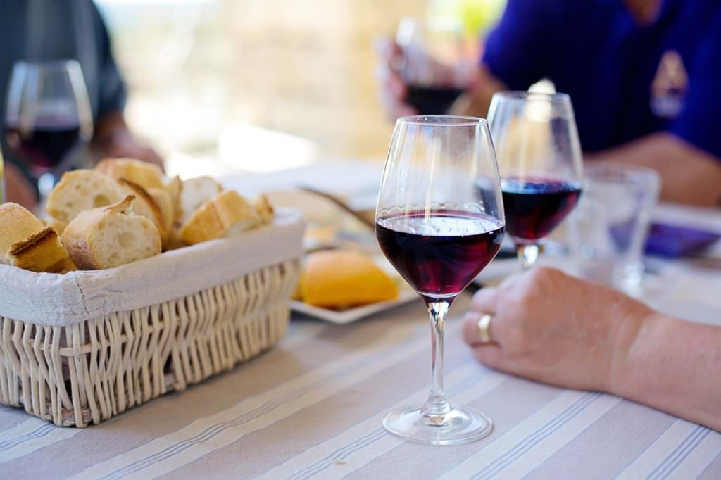 Luxury Vacation Ideas in France - Burgundy wine tasting