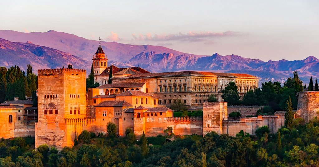 Best Tapas Bars in Granada Spain - Alhambra