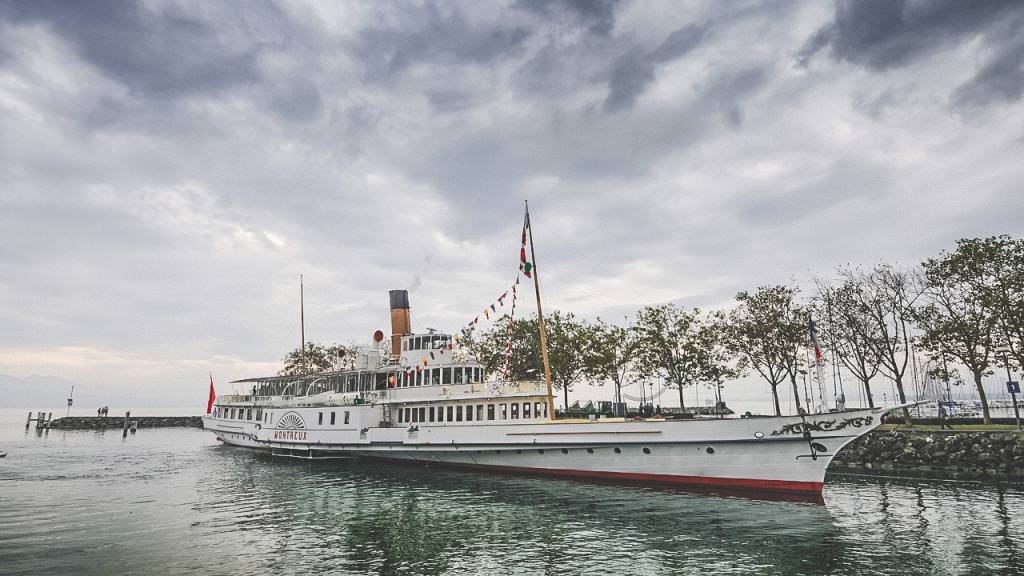 Discover Lausanne like a Local: Sunset Cruise in Lausanne, Switzerland