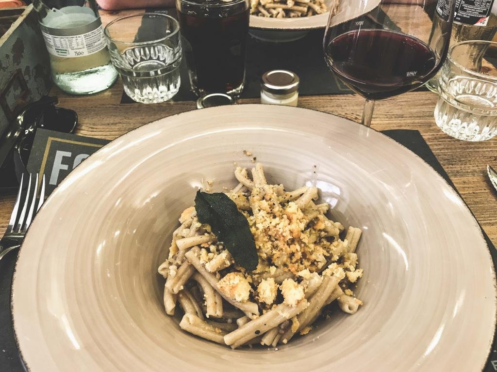 Best Restaurants in Florence: Foody Farm - 1 Week Tuscany Itinerary