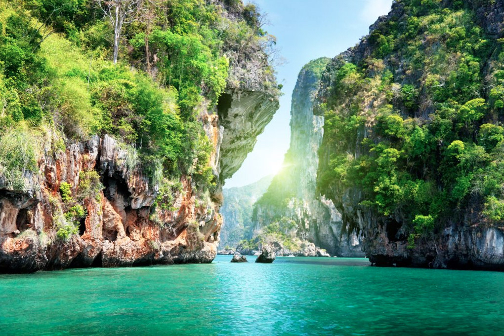 Best Winter Sailing Destinations: Sailing around Thailand