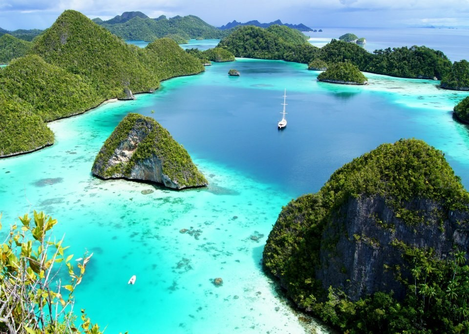 Best Winter Sailing Destinations: Snorkeling in Indonesia