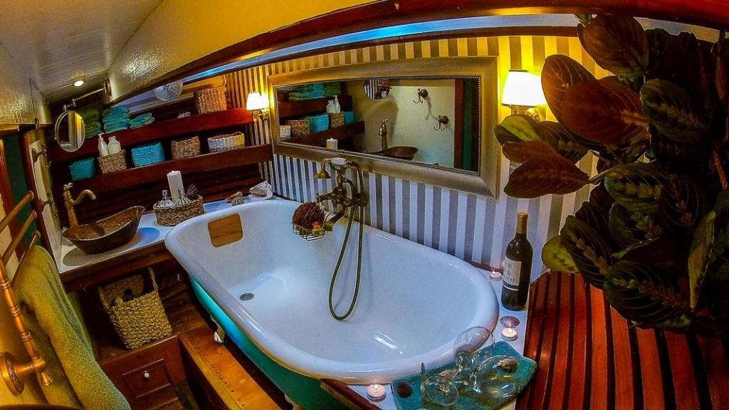 Best Winter Sailing Destinations: Bathtub on board a sailboat