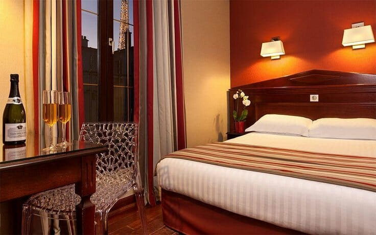 paris hotels with views of the eiffel tower; hotels in paris with a view of eiffel tower; hotels with views of eiffel tower Paris