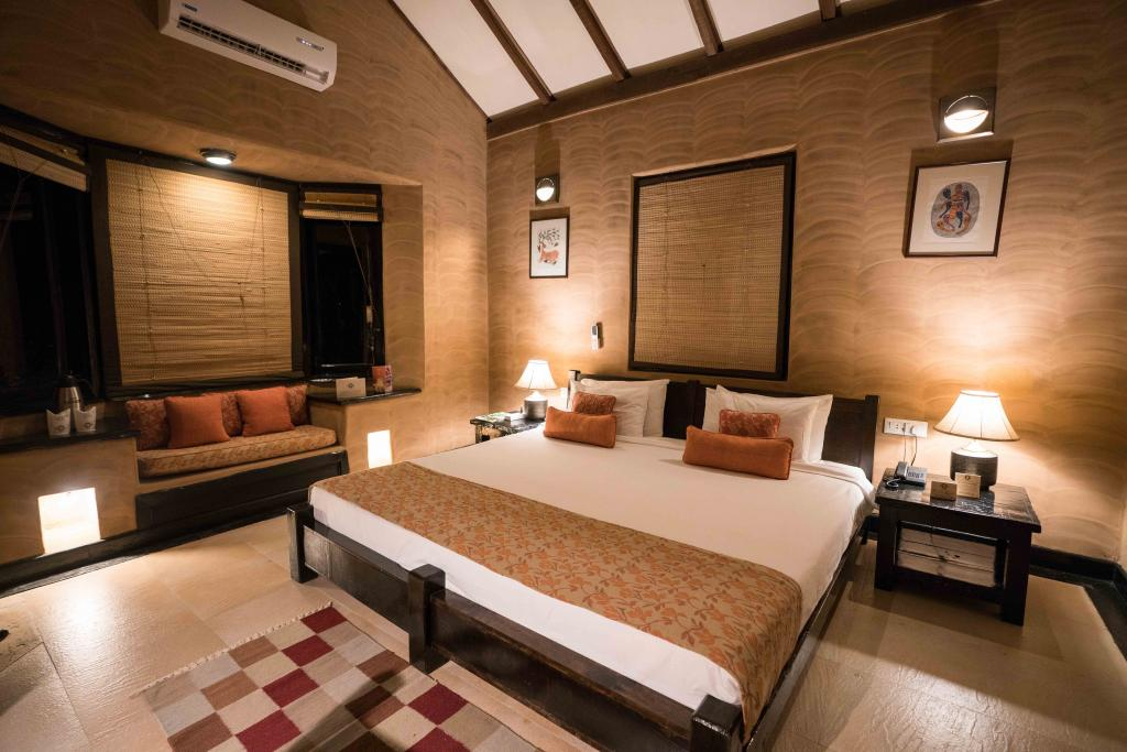 Suite at Kings Lodge Bandhavgarh National Park - Bandhavgarh Resorts - Pugdundee Safaris - Bandhavgarh Safari - Bandhavgarh Hotel