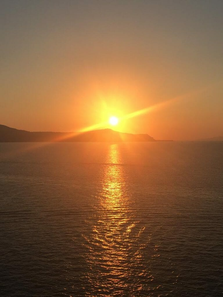 An Aegean sunset, best way to complete 1 day in Santorini