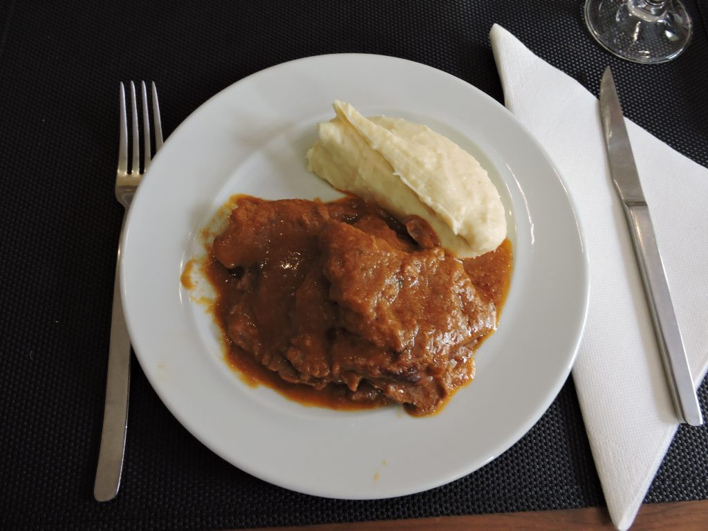 Carne asade with creamy mashed potatoes