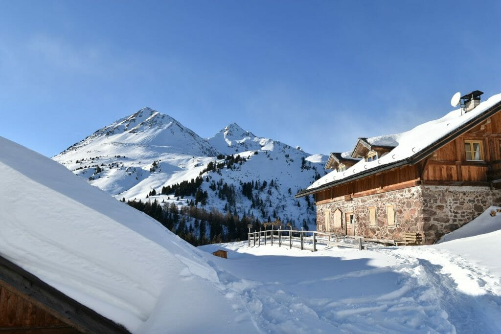 Chalet at the edge of the Italian slopes in the winter
