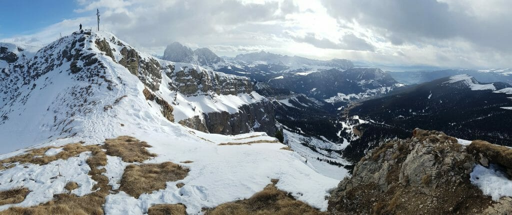 Untouched snow in the Val Gardena ski area peaks