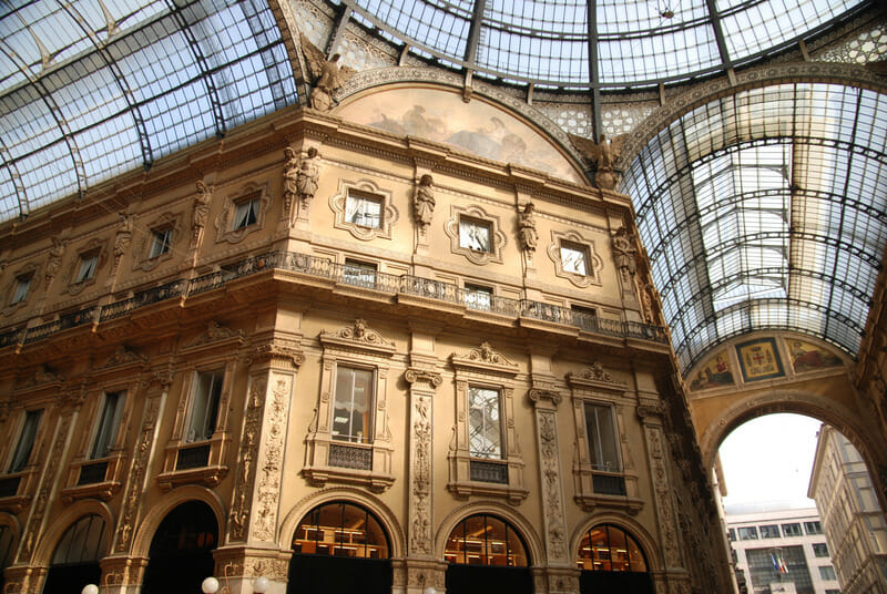 The passage in the Milan (Italia) with vaulted glass ceilings