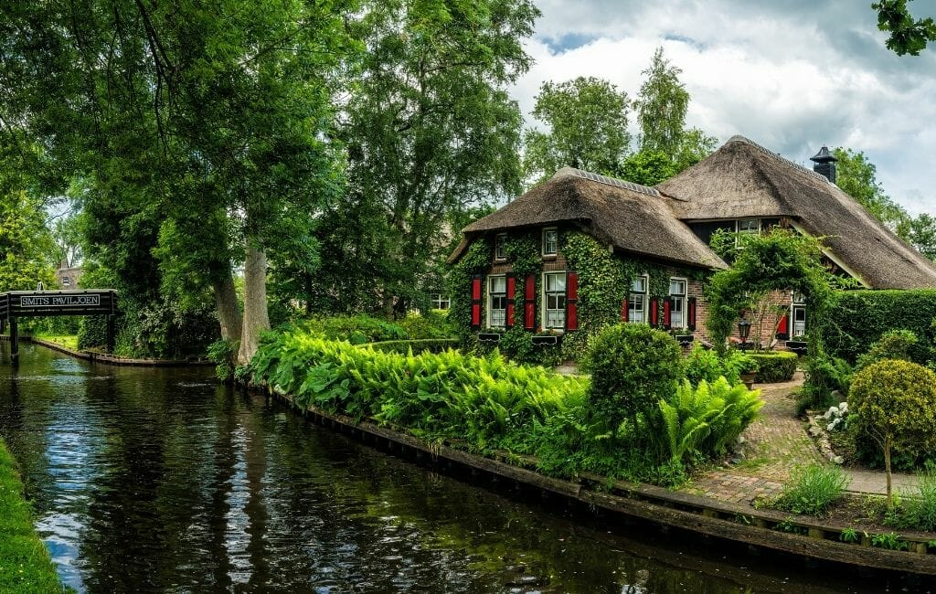 Thatched-roof house on a Canal in Giethoorn